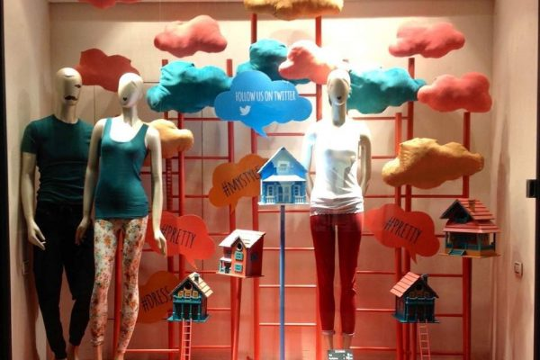 shopwindow display clouds houses candys international