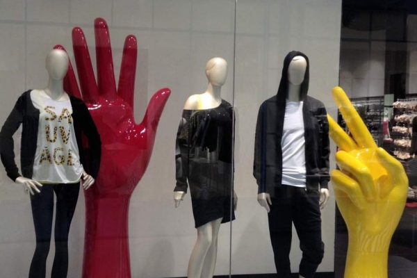 shopwindow display colored hands fiberglass candys international