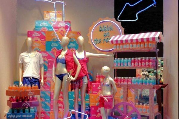 shopwindow display summer candys international